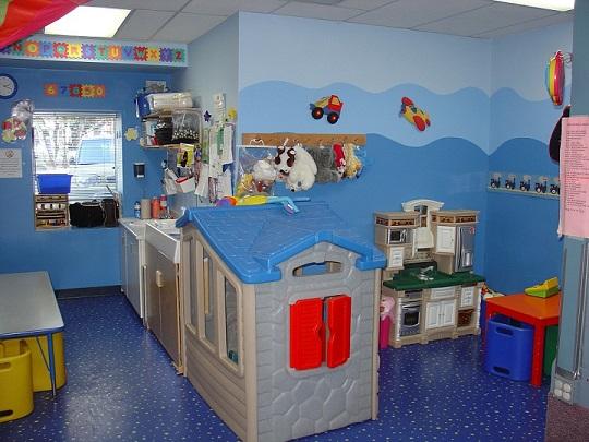 psikologi warna, ruang belajar anak, desain interior, komposisi warna